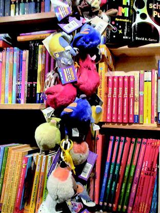 児童書専門店内部